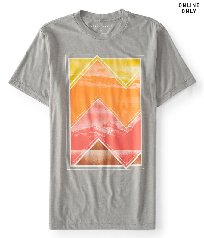 Many Mountains Graphic T***