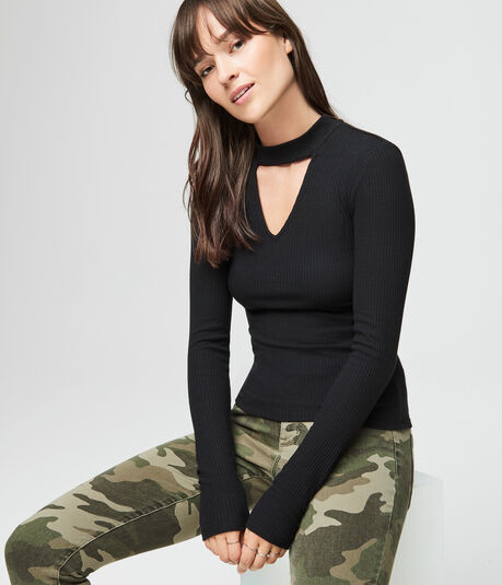Long Sleeve Keyhole Mock-Neck Top