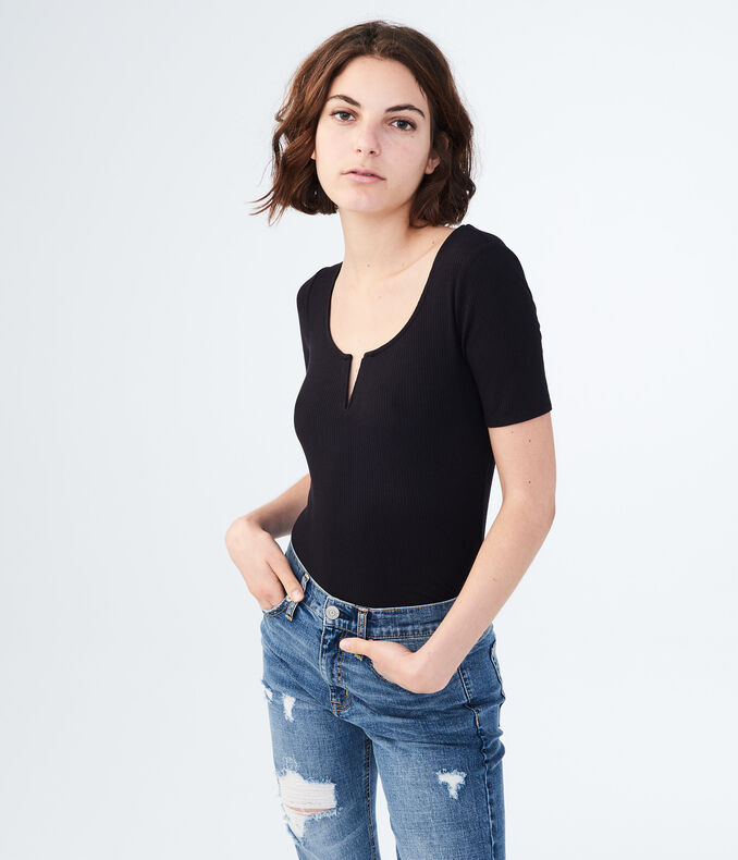 Solid V-Notch Ribbed Top