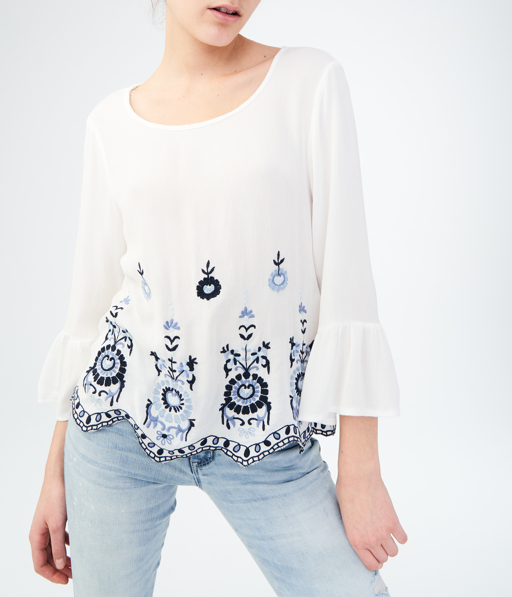 Aeropostale Long Sleeve Embroidered Top - Floral White, Large