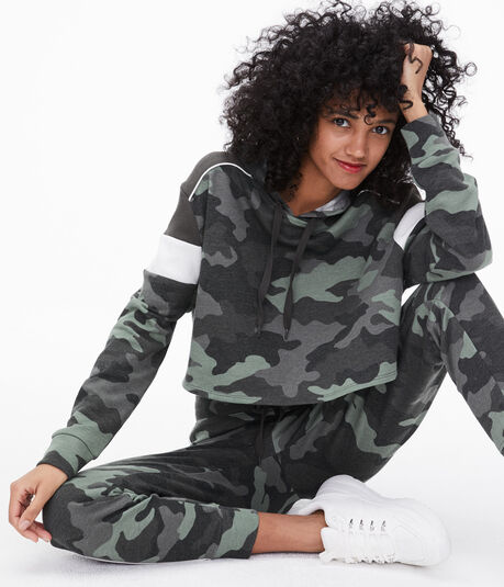 Camo Colorblock Cropped Pullover Hoodie