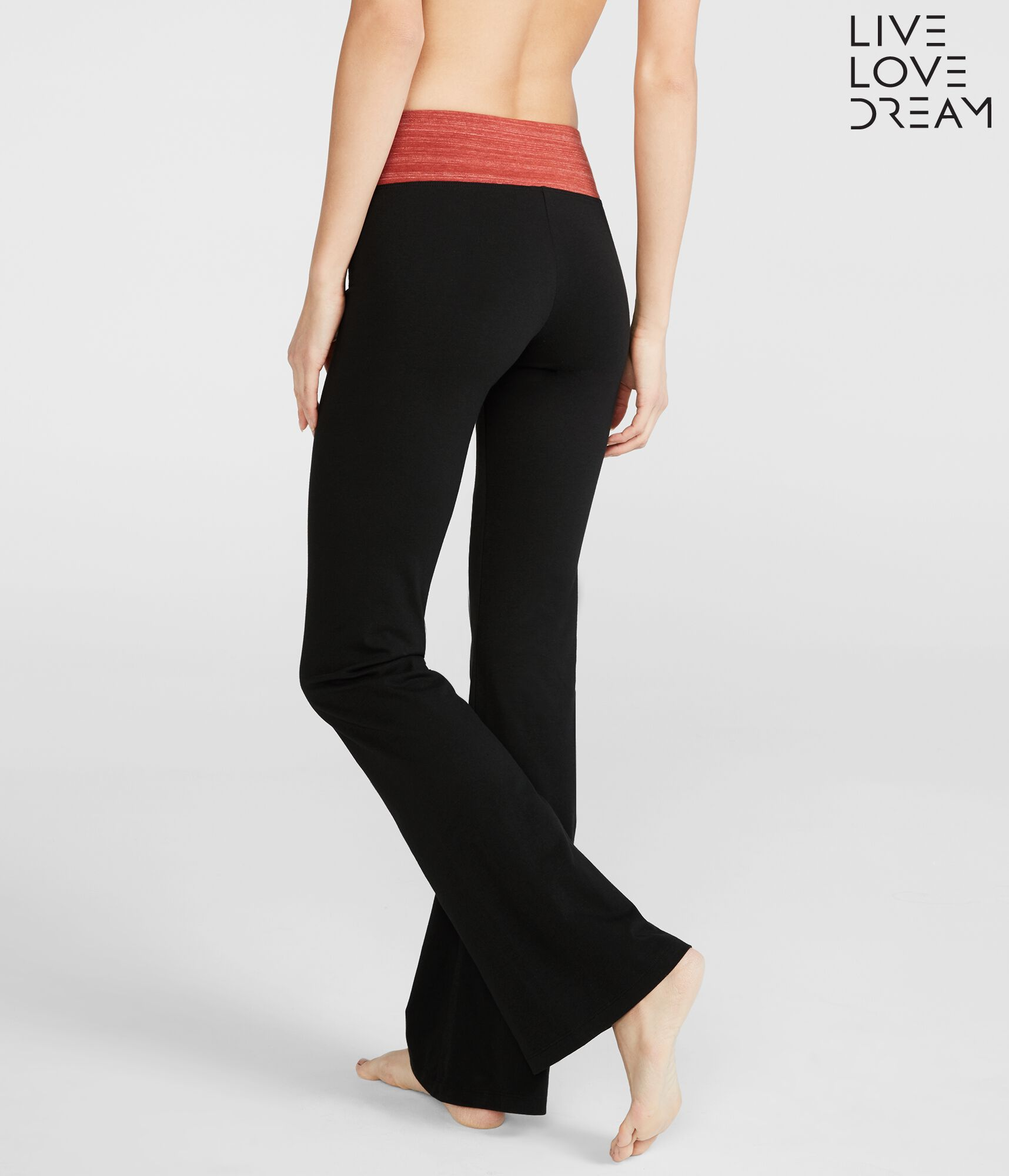 d6513bd015db7 What To Wear With Bootcut Yoga Pants | Kayaworkout.co
