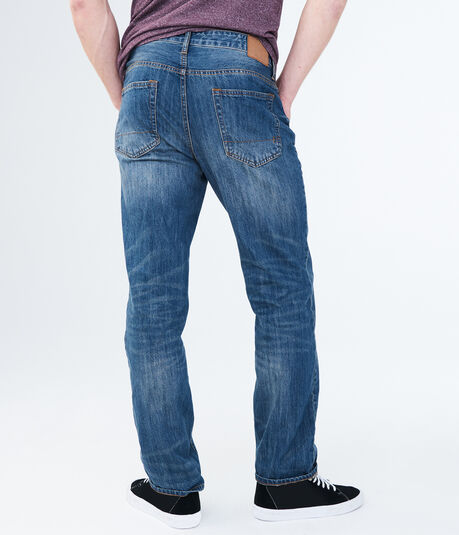 Relaxed Medium Wash Jean***