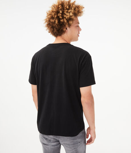 Relaxed Fit Pocket Crew Tee***