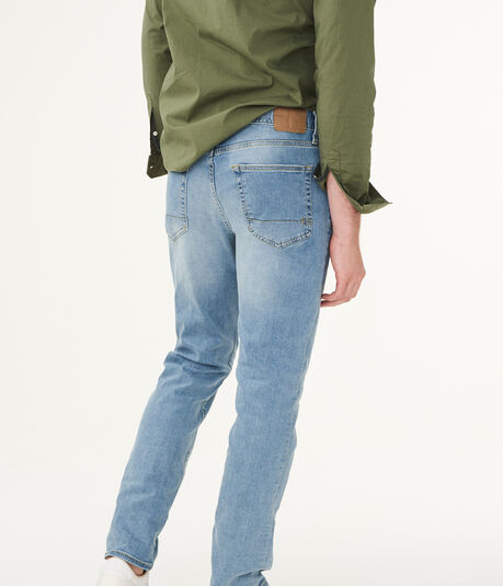 Slim Light Wash Stretch Jean***